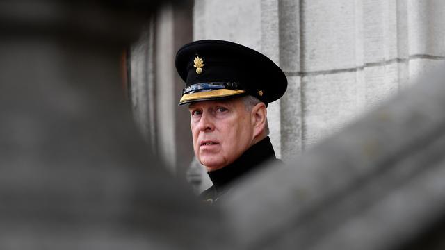 Le prince Andrew a démenti catégoriquement ces accusations fin octobre lors d'une interview sur la BBC qui s'est révélée désastreuse.