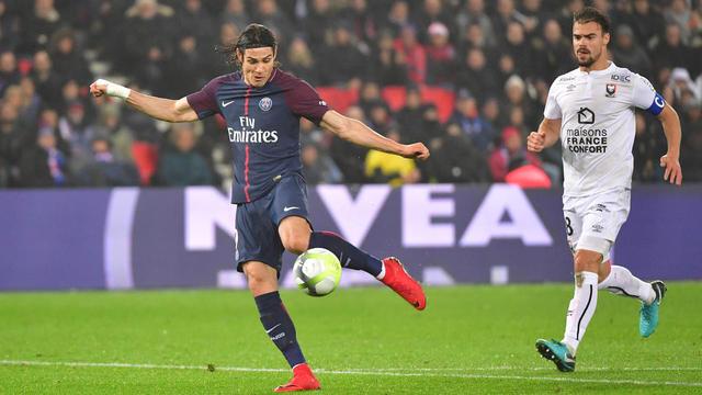 Edinson Cavani et les Parisiens restent sur 40 victoires consécutives dans les coupes nationales.