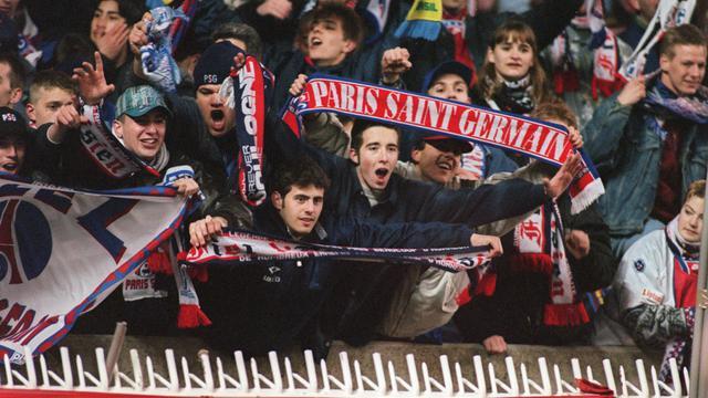 Les supporters du PSG au Parc des Princes le 15 mars 1995.