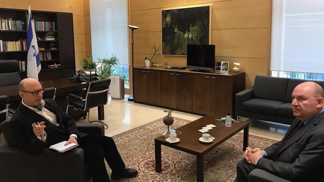 L'ambassadeur par intérim d'Israël en France, Daniel Saada, présente les perspectives humaines, entre Marocains, Israéliens et Français.