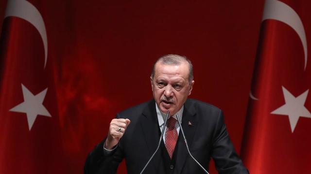 Recep Tayyip Erdogan a déclaré dimanche 31 mars que son parti, l'AKP, corrigerait ses «faiblesses», après le revers sans précédent qu'il a connu aux élections municipales.