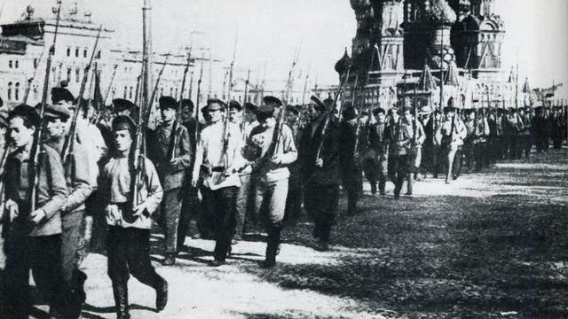 6 novembre 1917 : Début de la révolution russe.