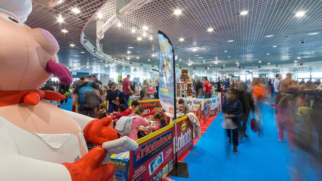 300 créateurs de jeux de société font découvrir, au grand public et aux passionnés, leurs nouveautés sur leurs stands.