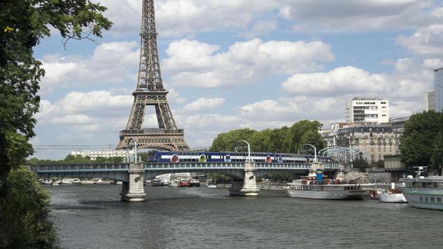 La maire de Paris a affirmé que le Triathlon de Paris pourrait passer par la Seine.