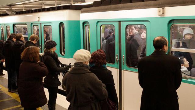 43 % des Franciliens privilégient les transports en commun pour se rendre au travail.