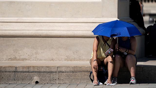 En été, le rayonnement UV est le plus intense entre midi et 16h.