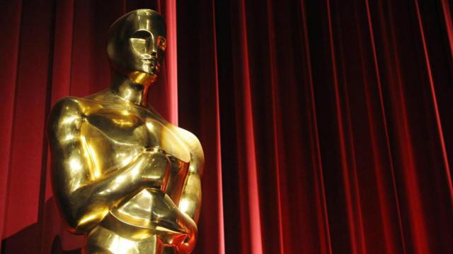 La statuette volée est un Oscar d'honneur remis à Charlie Chaplin en 1929.