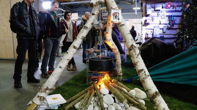 Apprendre à faire du feu est l'une des compétence de base pour les survivalistes.