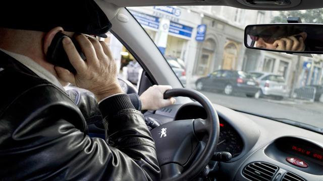 Si les automobilistes font attention à leur taux d'alcoolémie et aux excès de vitesse, ils  demeurent accros à leur téléphone.