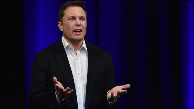 Selon l'accord, Elon Musk abandonne la présidence du conseil d'administration de Tesla, mais en reste directeur général.