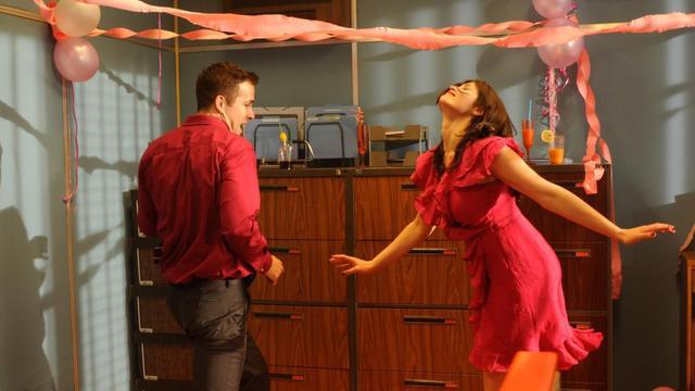 """Ryan Reynolds et Gemma Arterton dans """"The Voices"""" de Marjane Satrapi."""