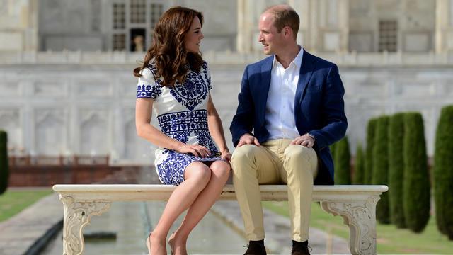Le couple princier britannique a affiché sa complicité devant le célèbre mausolée.