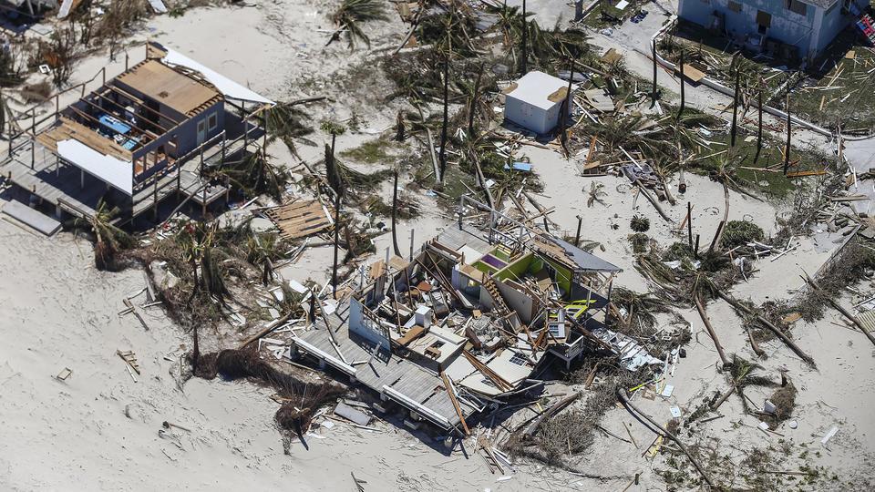 La France a annoncé le déploiement, dans le cadre d'une mission européenne, de plusieurs dizaines de soldats afin de participer aux secours. Et le président américain Donald Trump a promis l'aide des Etats-Unis, dont les gardes-côtes sont déjà à l'œuvre aux Bahamas.
