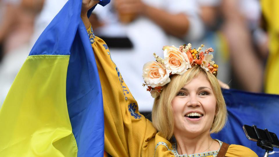 Une supportrice ukrainienne lors du match Allemagne-Ukraine, le 12 juin 2016, à Lille.