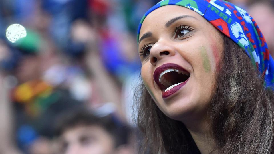 Une supportrice italienne lors du match Belgique-Italie, le 13 juin 2016, à Lyon.