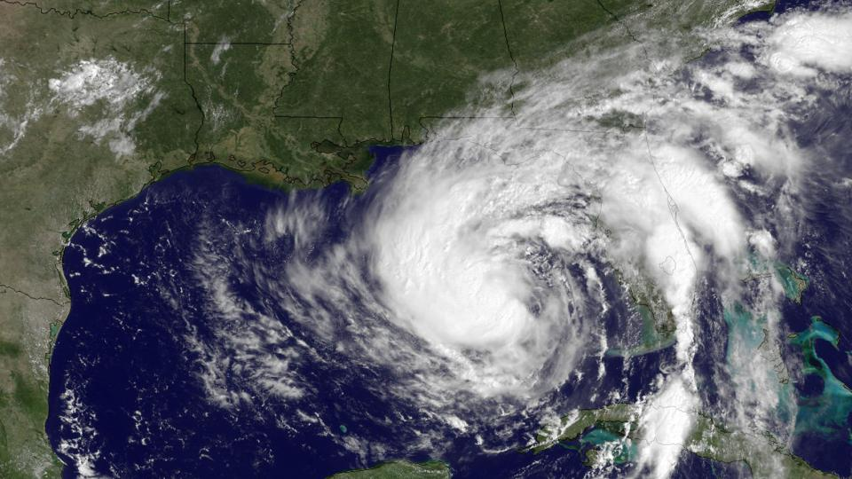 Isaac s'est dirigé dimanche soir vers la Floride et la Louisiane.Les météorologues américains craignaient que cette tempête tropicale se transforme en Ouragan.