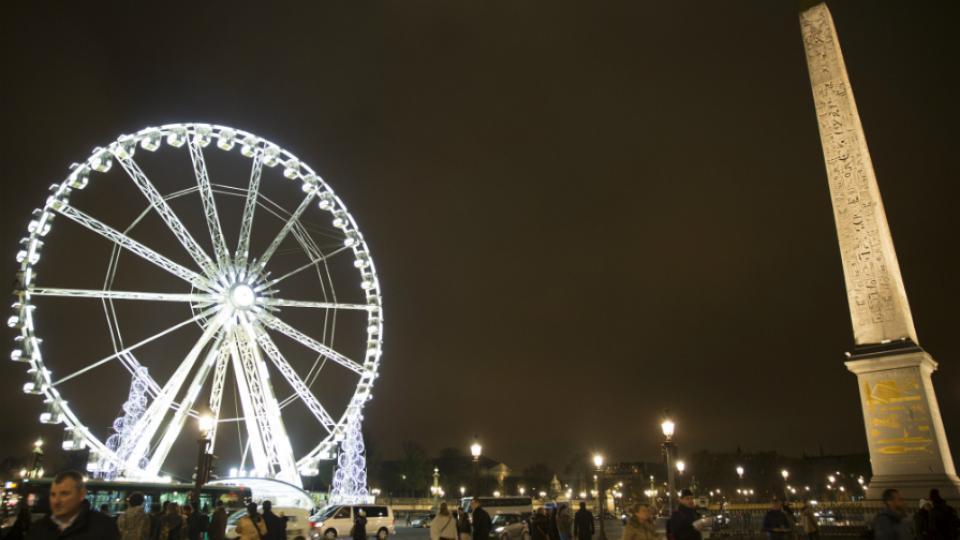 La grande roue a été réinstallée à la Concorde le 15 novembre.