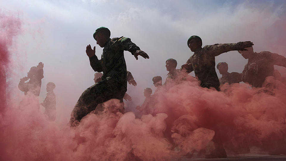 Des soldats participent à un défilé militaire, à Kaboul, en 2011.
