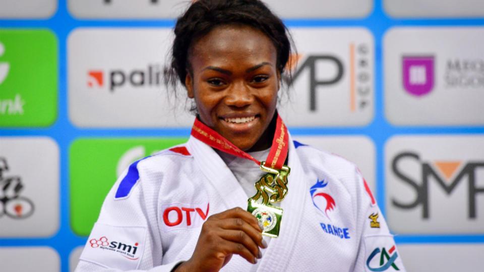 En l'absence de Teddy Riner, Clarisse Agbegnenou a brillé aux championnats du monde de judo à Bakou. Elle a remporté une 3e couronne mondiale en moins de 63 kilos, à seulement 25 ans.