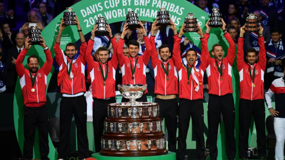 Pas de miracle pour l'équipe de France de tennis battue pour la dernière finale de l'histoire de la Coupe Davis par des Croates supérieurs et vainqueurs 3-1 à Lille.