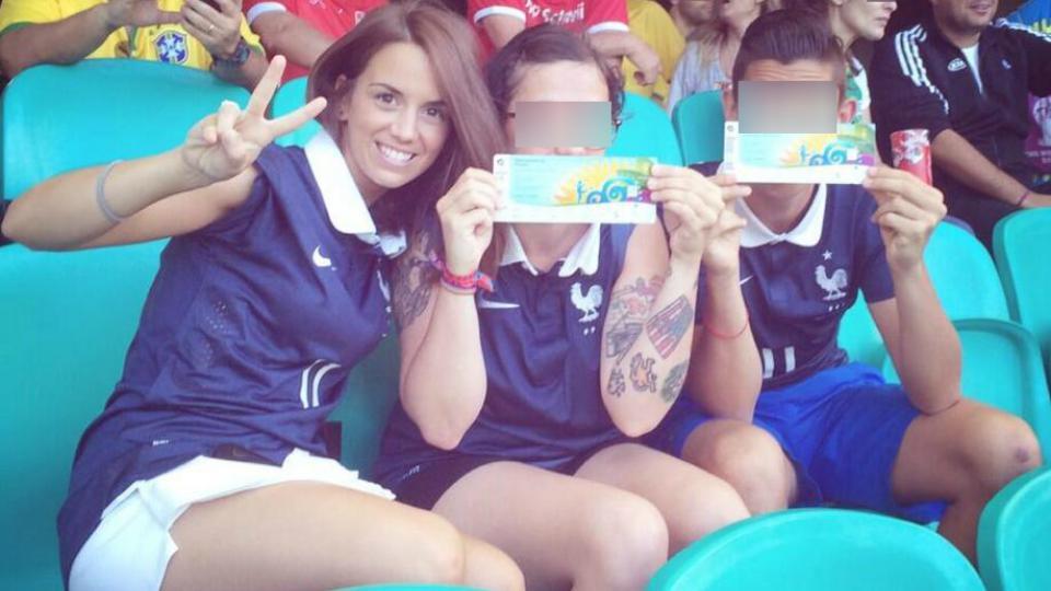 Erika Choperena s'est déplacée au Brésil aux côtés de la famille d'Antoine Griezmann. La voici le vendredi 20 juin pendant le match qui opposait la France à la Suisse.