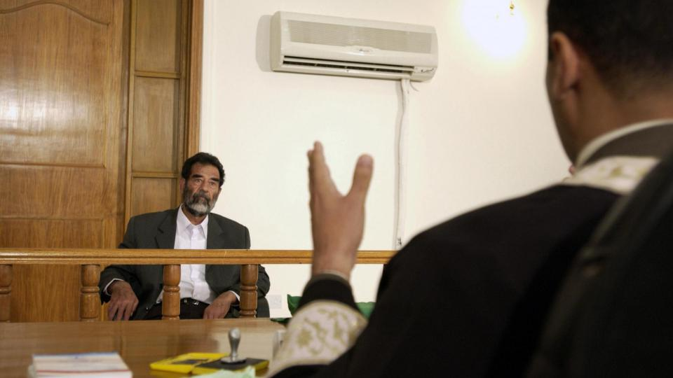 Saddam Hussein devant la justice