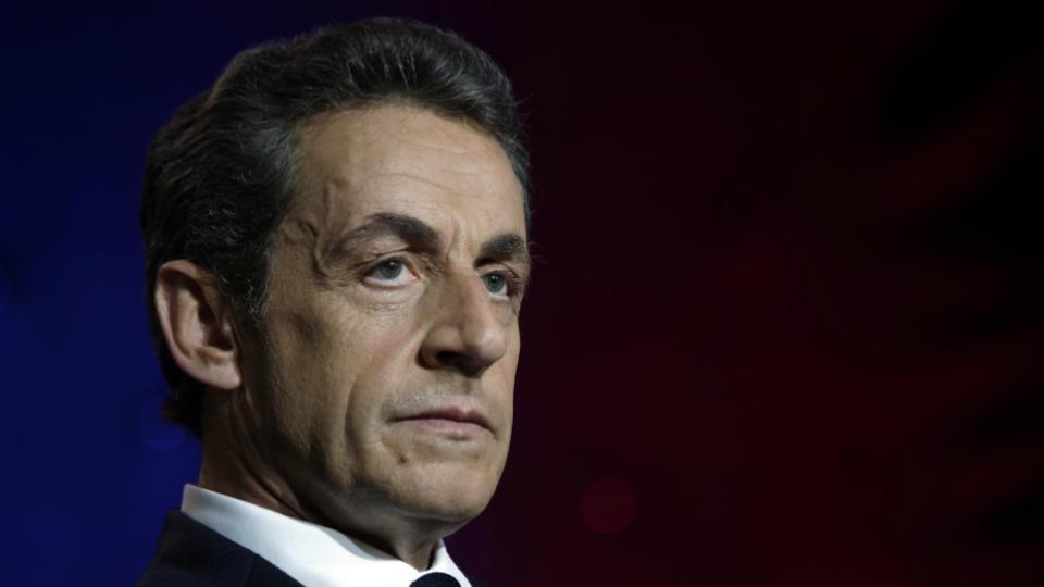 Le leader de l'opposition a profité des vacances pour aborder la question de la fiscalité et de l'agriculture. Le passage en Corse de Nicolas Sarkozy a lui aussi été très suivi sur les réseaux sociaux. L'ex président de la République compte actuellement 852 000 followers sur Twitter.