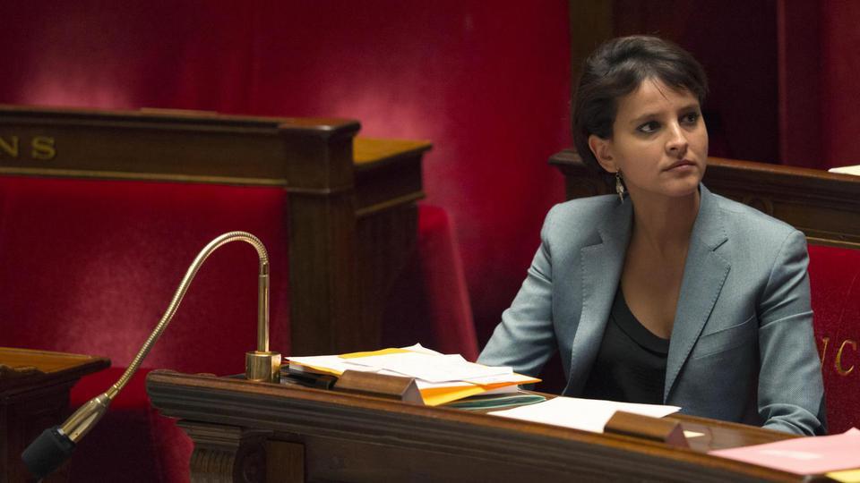 La ministre de l'Education, Najat Vallaud-Belkacem, a passé son été à préparer la rentrée des classes. Montants des allocations, classement des établissements français à l'international, coût de la rentrée… Autant de sujets qui font fait mouche auprès des familles, des étudiants et des ses 378 000 abonnés.