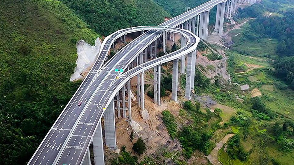 Cette autoroute incroyable a été conçue uniquement pour faire demi-tour (vidéo)