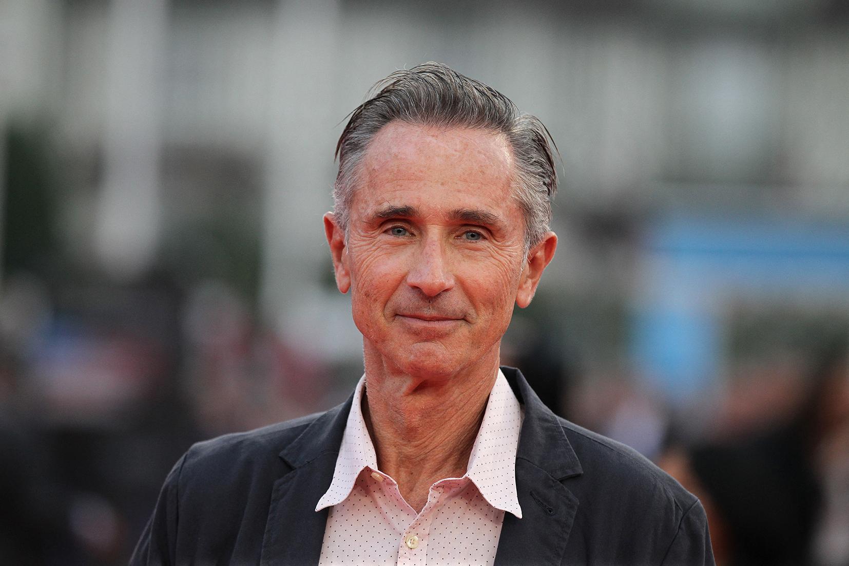 Thierry Lhermitte : quelle est la maladie handicapante dont souffre l'acteur ? - CNEWS